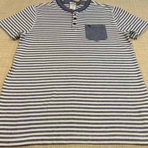 Abercrombie & Fitch muscle fit tee size medium GUC